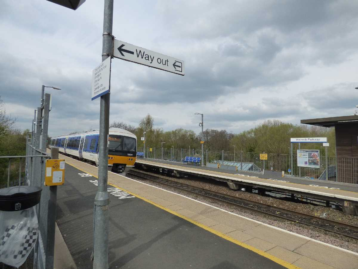 Chiltern Railways 165005 passing Warwick Parkway Station