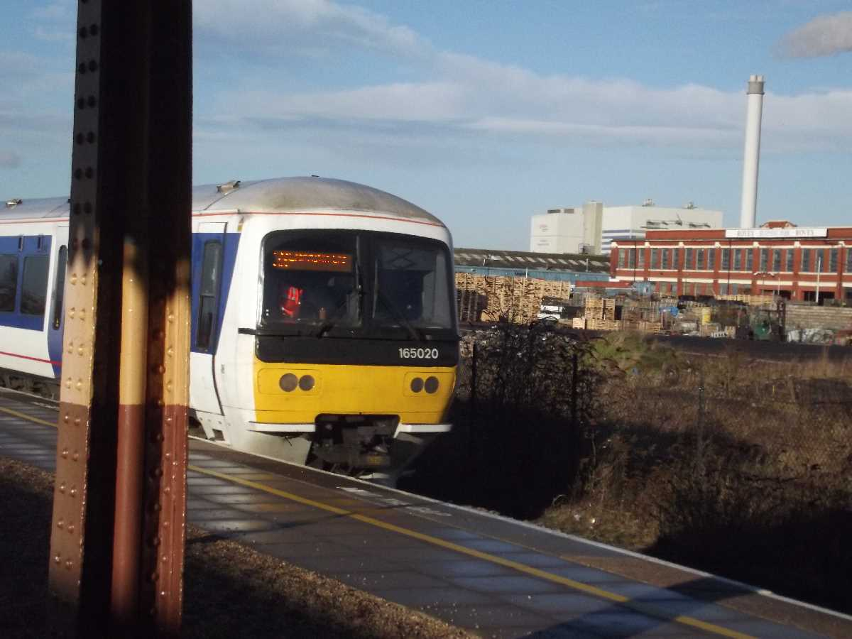Chiltern Railways 165005 passing Tyseley Station
