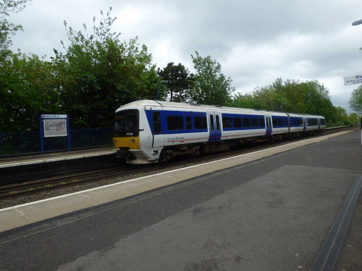 Chiltern Railways 165023 at Warwick Station
