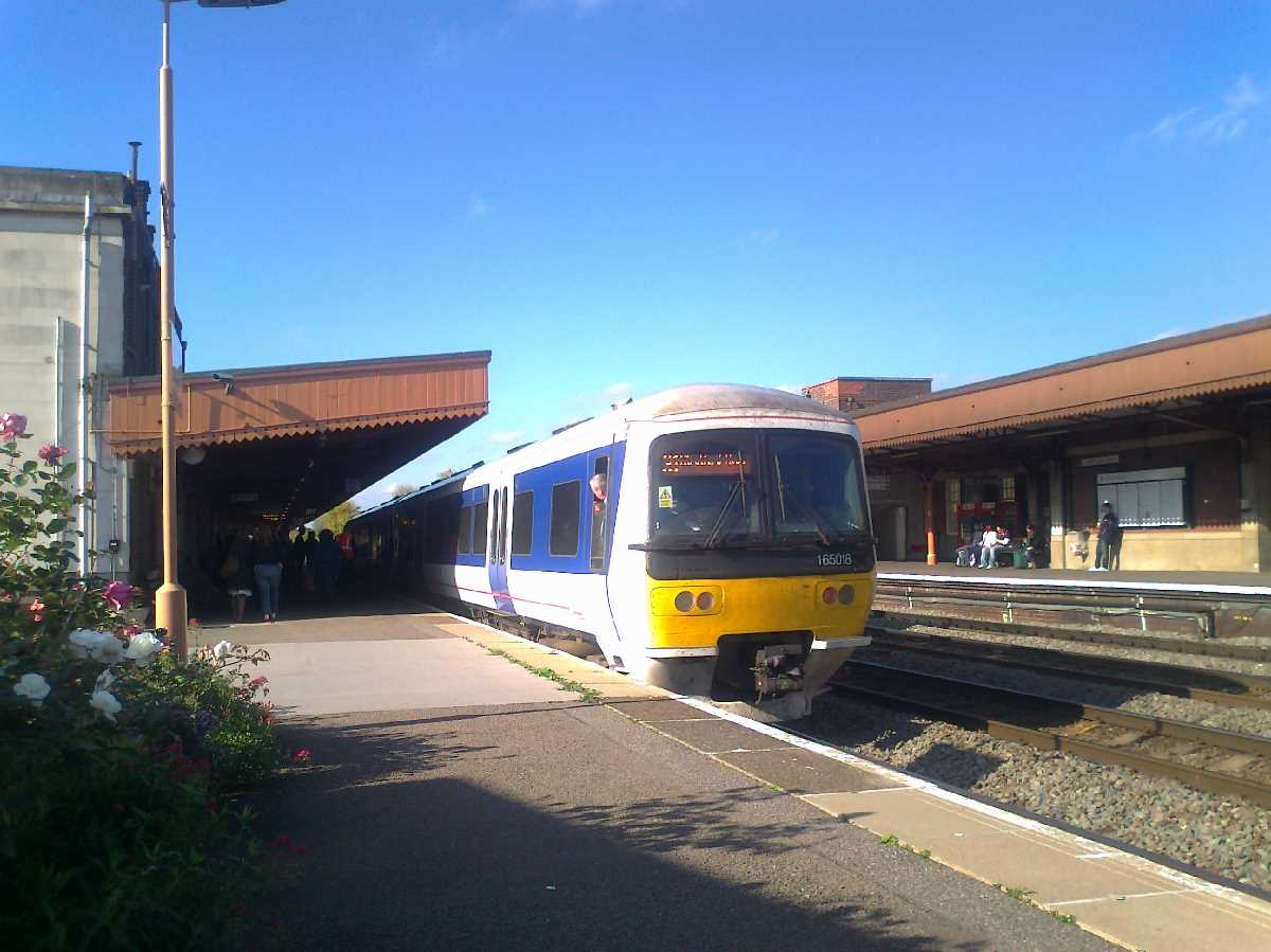 Chiltern Railways 165018 at Leamington Spa Station