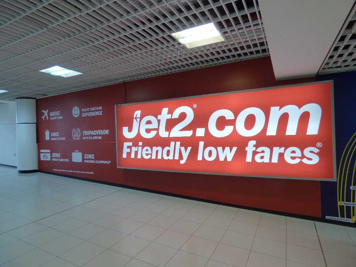 Birmingham Airport - Jet 2 - Friendly Low Fares