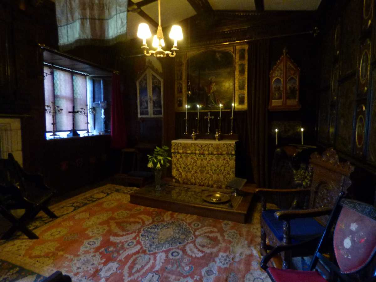 Baddesley Clinton - Priest's Bedroom