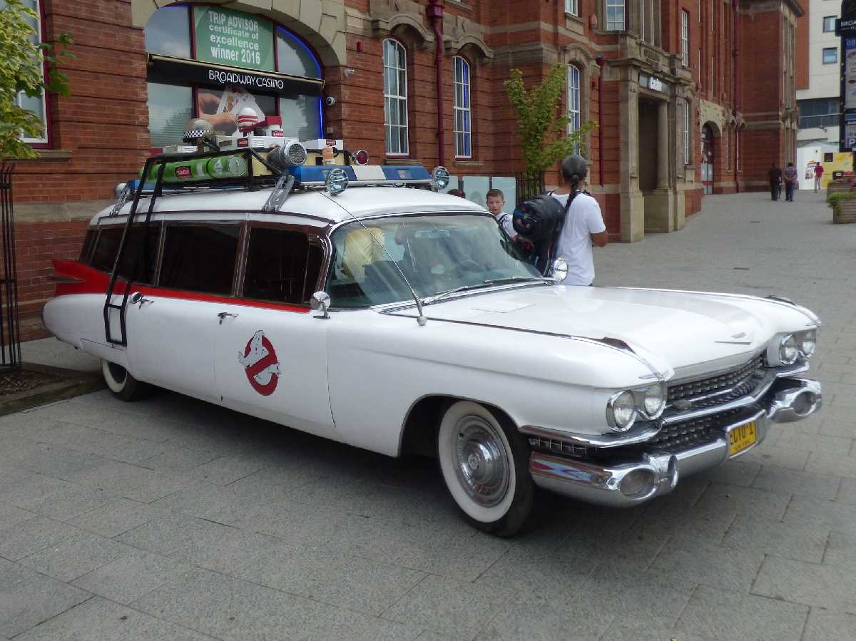 Ecto 1 from Ghostbusters at Broadway Plaza