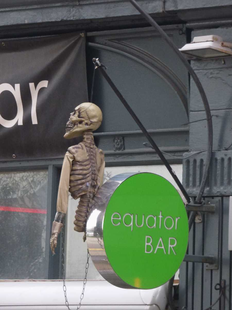 Equator Bar