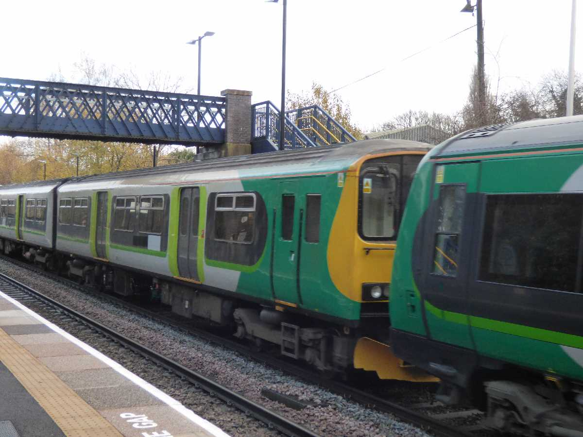 London Midland Class 150 passing through Lye Station
