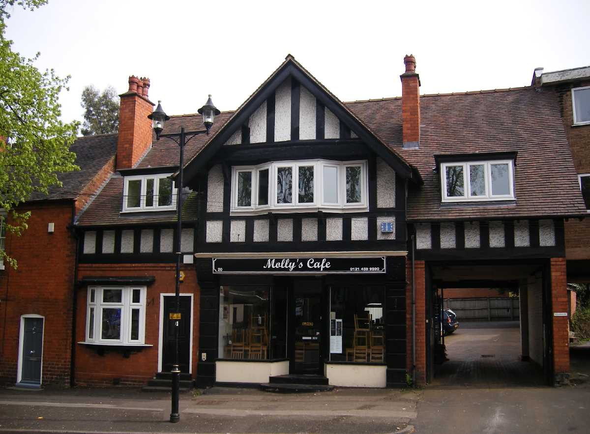 Molly's Cafe - The Green Kings Norton