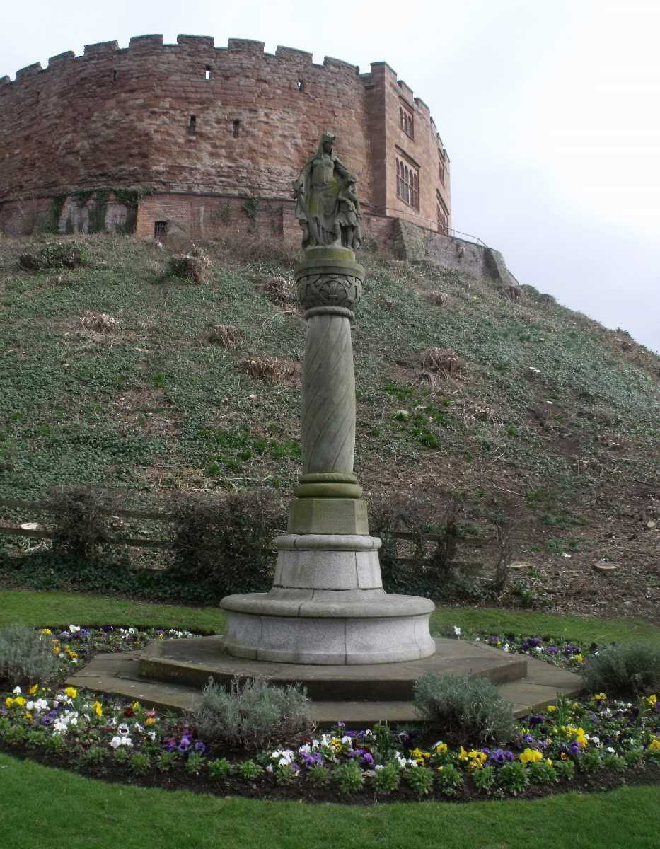 Tamworth Castle - Statue of Ethelfleda