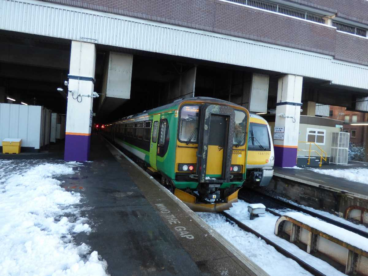 West Midlands Railway 153334 at Birmingham Snow Hill Station